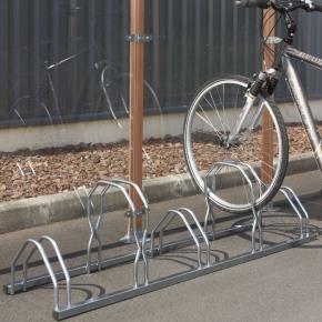 stojany na jízdní kola pro ukotvení na zem